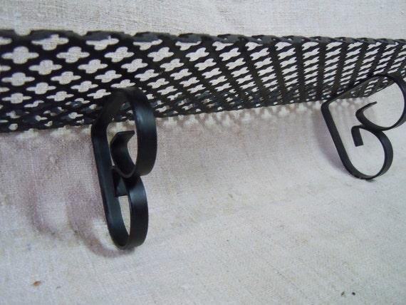 vintage metal wall shelf small open cut design garden plant. Black Bedroom Furniture Sets. Home Design Ideas