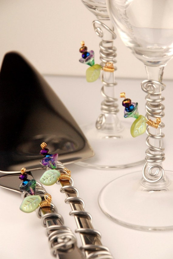 complete set wedding cake cutting set flutes beads peacock. Black Bedroom Furniture Sets. Home Design Ideas