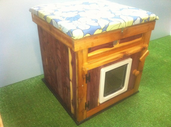 LARGE heated Cedar CAT HOUSE, bed, shelter, sanctuary