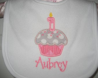 Boutique Birthday cupcake bib