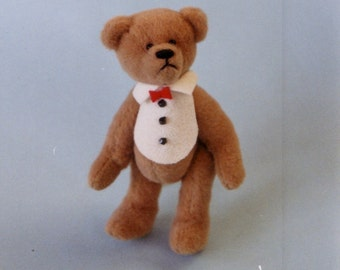 Binky - a miniature bear pattern.