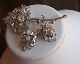 SILVER LEAF Emerald Rhinestone Brooch and Clip On Earring Set