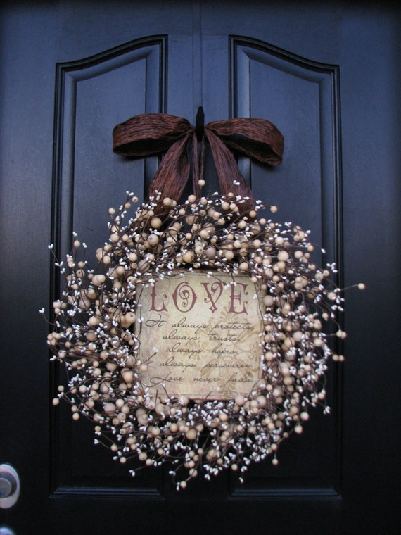 Items Similar To Personalized Gifts Wreaths Champagne
