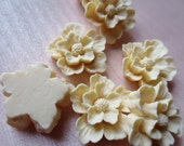 Flower Cabochons in Deep Ivory 22mm - 5 pcs for Bridal, Jewelry, Crafts