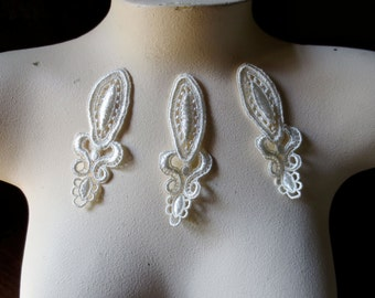 3 Ivory Lace Appliques for Bridal, Jewelry Supply, Costume Design IA 212