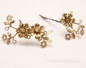 Vintage Fower Bobbie Pins, Brass and Gold Flower Hair Accessories, Wedding Hair, Vintage Wedding Hair