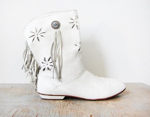 white fringe boots / vintage white leather mocassin boots /