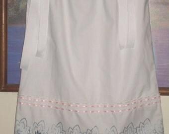 Custom Flower Girls Pillowcase Dress Heirloom Wedding Dress White Eyelet Pillowcase Sun Dress Girls Beach Portrait Photo Mickey Minnie