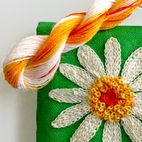 Diy crewel embroidery kit gift pouch white daisy flower