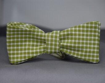 Sage Green Checkered Pattern  Bow Tie
