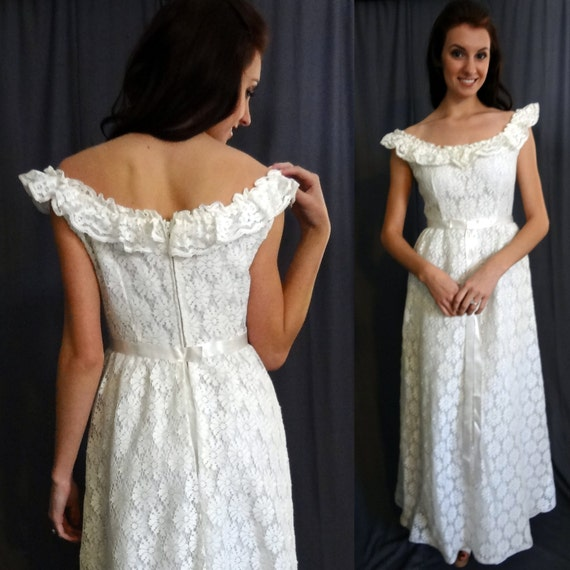 Lori deb 60s empire waist white daisy lace vintage wedding for Daisy lace wedding dress