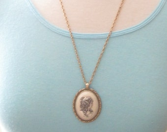 Vintage Signed Sarah Coventry Goldtone Cameo Pendant Necklace Gracious Lady NOS New Old Stock