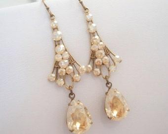 Crystal bridal earrings, Chandelier Wedding earrings, Art deco earrings, wedding jewelry, antique gold earrings, Vintage style earrings