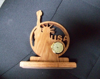 Wooden USA statue of liberty miniature desk clock