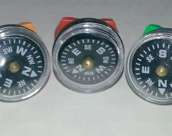 1980s-90s Plastic Compass Ring that Works