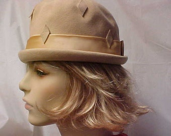 SALE.  Beige wool Henry Pollak  cloche hat with gold satin band around the crown- union label inside fits 21 1/2""