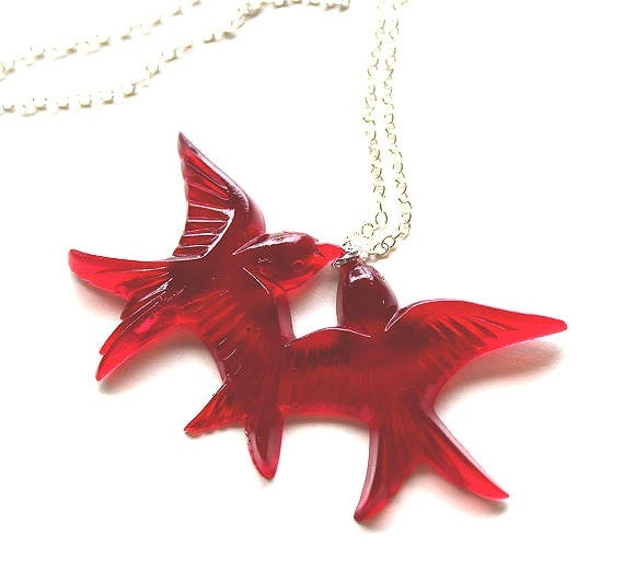 Red flying kissing resin love birds silver necklace