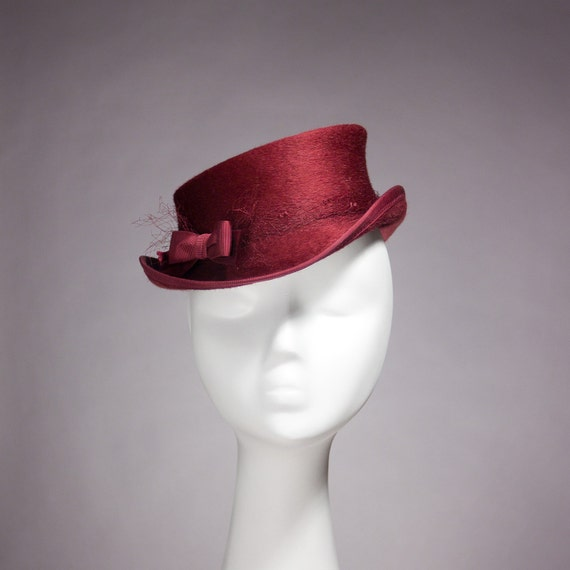 Mini Top Hat in Cherry Red Pink