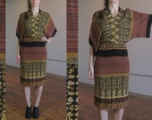 Vintage bohemian dress / 70s ethnic dolman sleeved dress / Phoebe / fitted body / gold, rust, black, earthy colors