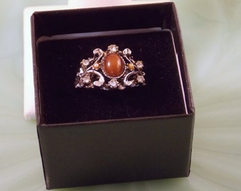 Vintage Vogue Ring with Amber Glass Stone Adjustable