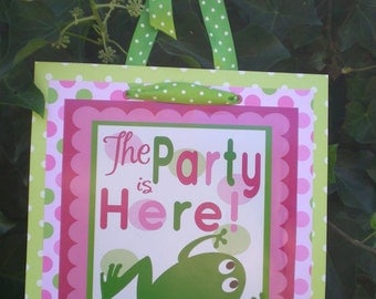 Frog Birthday Party Door Sign Fully Assembled Decorations Pink Green