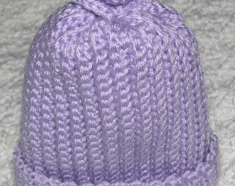 Soft lilac hat