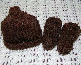 Chocolate brown cap and booties