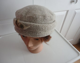 Vintage Beige Cotton/Polyester Women Hat S Louiselle 70s