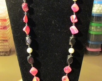 Necklace - Hot Pink and Black N0098