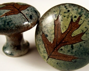 2  oak  ceramic cabinet knobs drawer pulls dresser knobs in green leaf glaze