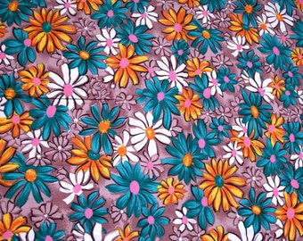 1.8 yards VTG fabric: cotton daisies