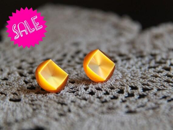 SALE vintage button earrings - orange studs