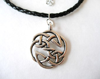 Irish Mens Warrior Antique Silver Celtic Knot Pendant Necklace