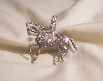 Lovely detailed 10 Gram Sterling Horse with Rider Brooch