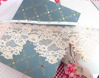 Embroidered trim, Lace trim,  Floral trim, Peach lace, embellishing lace, Wedding lace,  3 yards NT248
