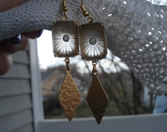 1920's Art Deco Vintage Frosted Starburst Camphor Lalique Antique Etched Czech Glass Earrings Hammered Gold