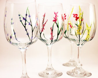 Hand painted wine glasses with wild flowers - set of 4 - Gift for Mom