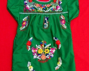 Mexican Green Dress Girl 4 Years Very Nice Embroidered Handmade Spring / Summer