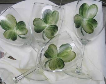 Shamrock Wine Glasses Set / 4