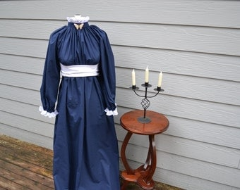 Victorian Dress with Lace and Sash costume Navy Blue size Small
