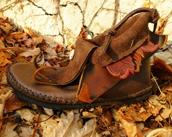 Peter Pan Moccasins Hand Stitched Soft Bullhide Leather Upper With A Durable VIBRAM Sole / Earthy Rustic LARP Leaf Men's Women's Moccasins