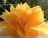 10 Goldenrod Yellow Paper Dahlia Napkin Rings. Perfect for weddings, birthdays, baby showers, dinner parties, home decor. Pom Pom