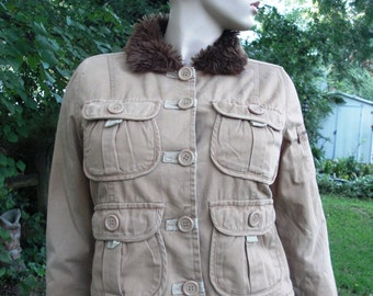 Womens 80s Jacket / Tan Utility Jacket / Vegan Jacket / Vintage Jacket / 80s Coat with Faux Fur Collar by Clothes Compact Size L