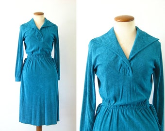 1970s Dress Sexy Secretary Day Cute Tie Waist Teal Blue/Green V Neck Open Wide Collared Long Sleeve Knee Length Boho Vintage 70s Small S XS