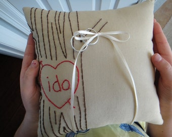 The Crush Mini. Primitive Faux Bois Ring Bearer Pillow