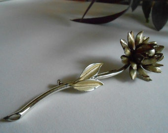 FREE SHIPPING Vintage Flower Brooch in Silver Tone