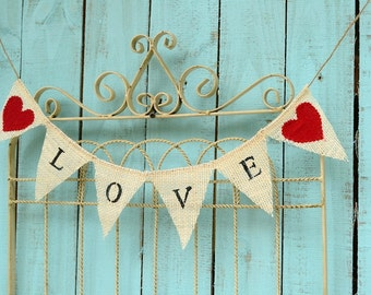 MINI LOVE garland with red fabric hearts