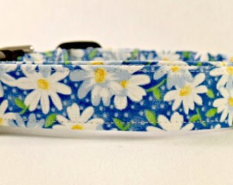Awesome Blue Daisy Flowers Dog Collar