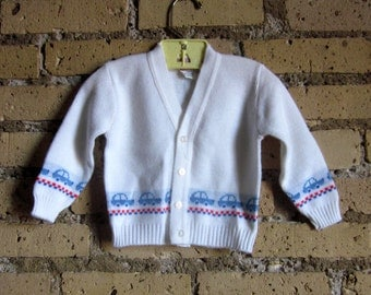 12M White Cardigan 80s / Cars and Checkered Pattern