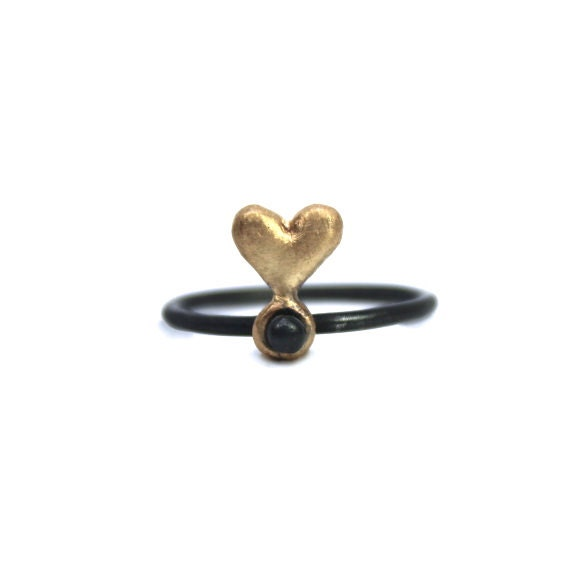 Black Silver Yellow Gold Heart Ring - Dancing Heart